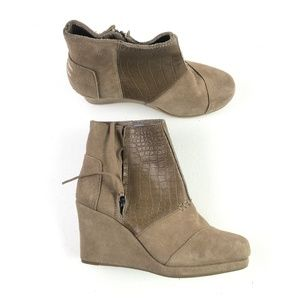 Toms Taupe Wedge Booties H6714881